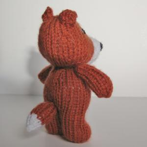 Knitting Pattern For Fox : Robbie The Fox Toy Knitting Pattern on Luulla