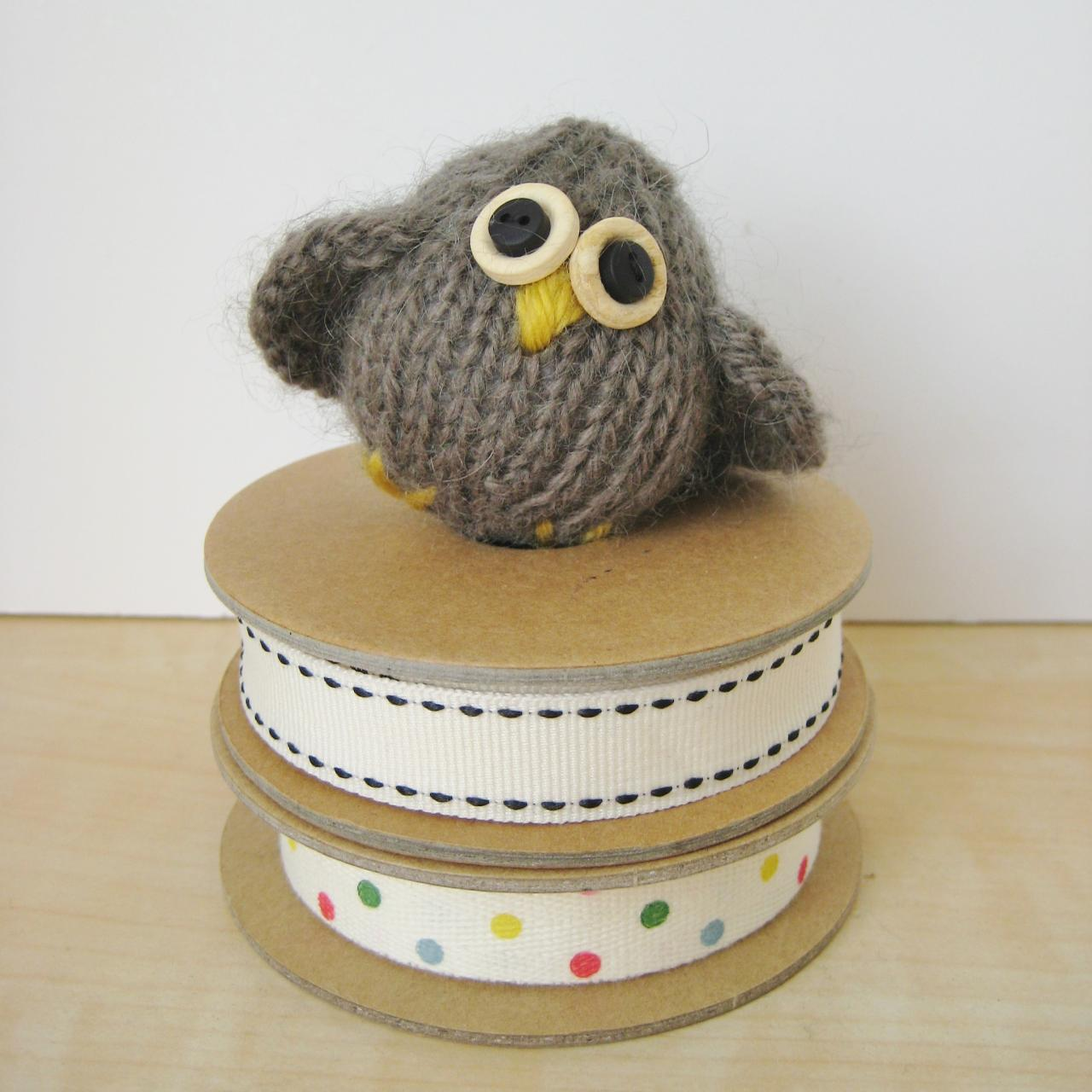 Little Owl Toy Knitting Pattern on Luulla