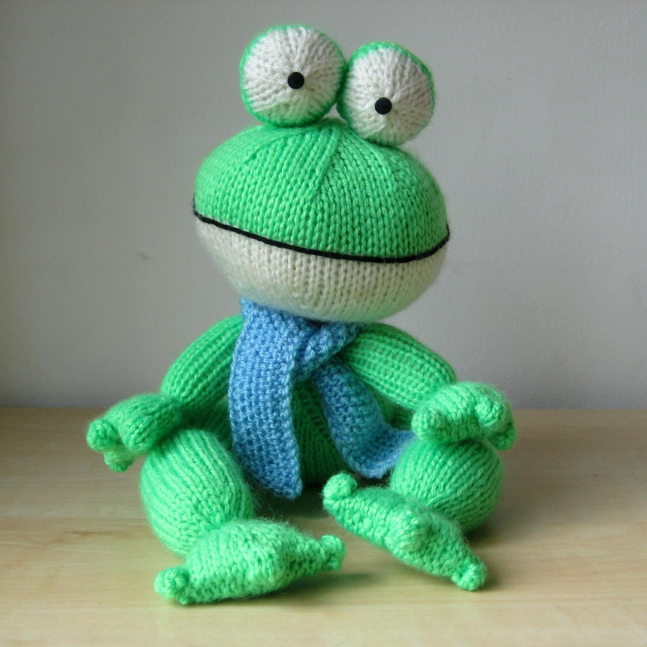 Knitted Frog Pattern : Felix The Frog Toy Knitting Patterns on Luulla
