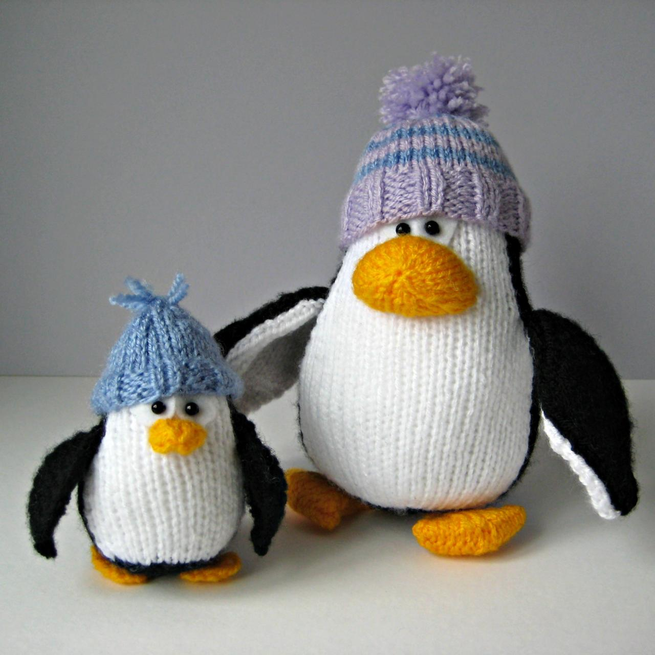 Knitting Pattern For Penguin : Bobble And Bubble Penguins Toy Knitting Patterns on Luulla