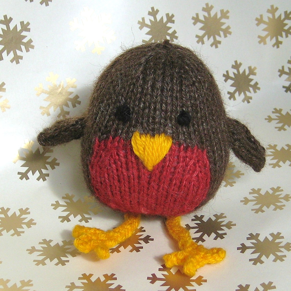 Free Knitting Patterns Mens Jumpers : Jolly Robin Toy Knitting Pattern on Luulla