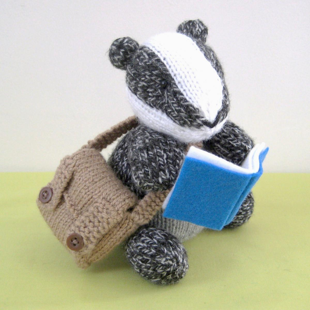 Brompton Badger Toy Knitting Pattern on Luulla