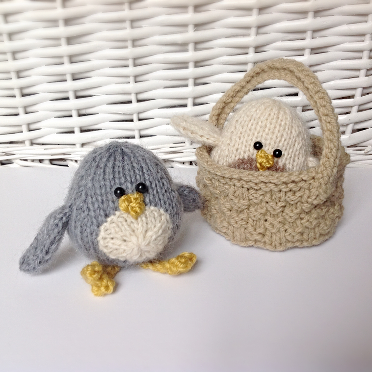 Knitted Bird Pattern : Chirpy Birds In A Basket Toy Knitting Patterns on Luulla
