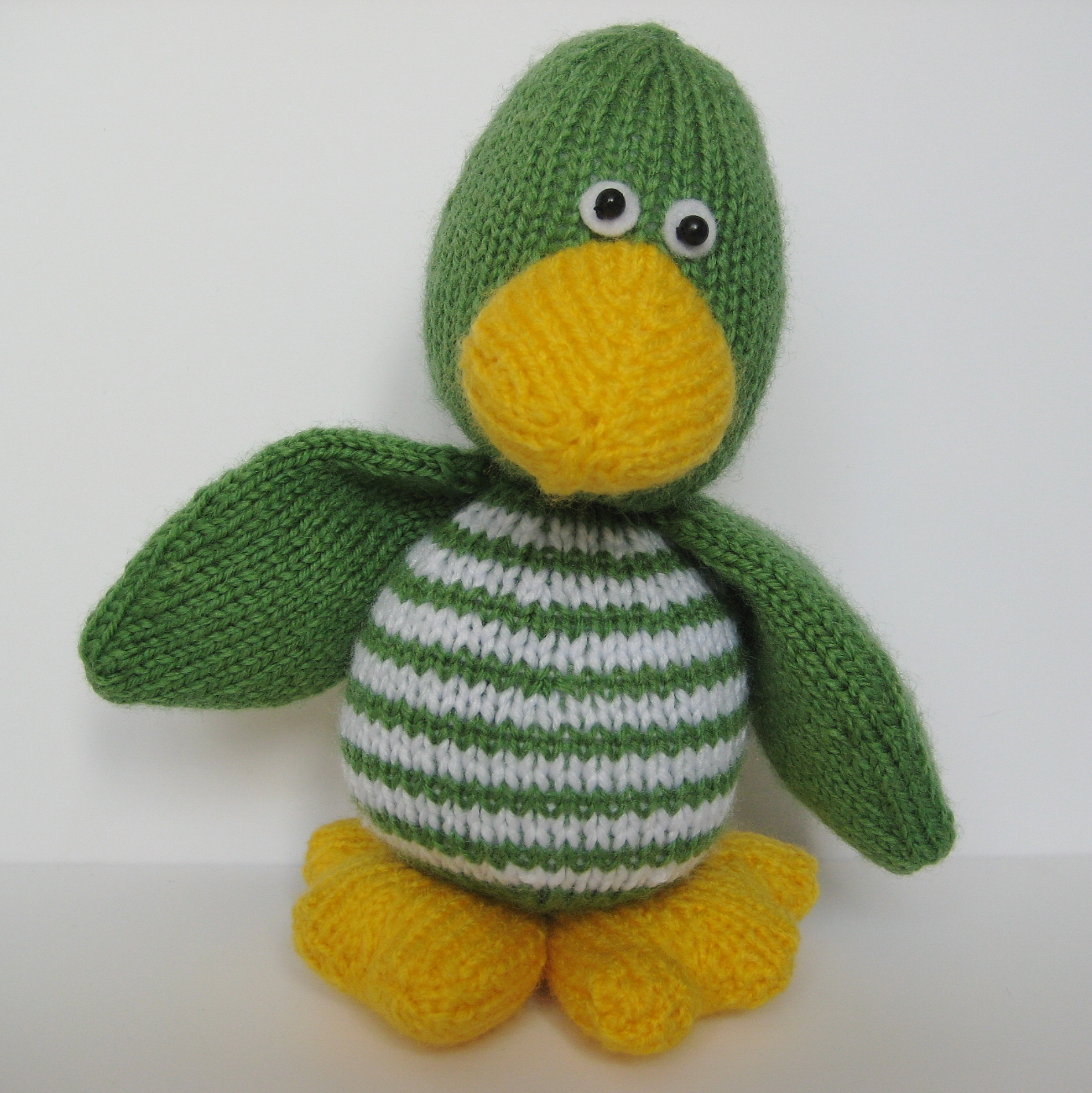 Quacky Duck Toy Knitting Pattern on Luulla